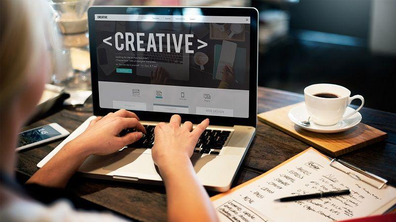 desarrollo web profesional Adecom Soluciones